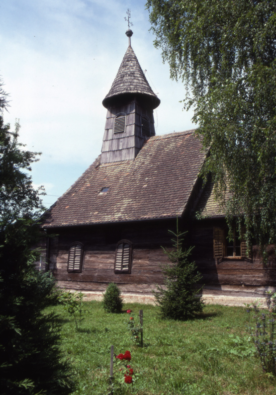 wooden church2
